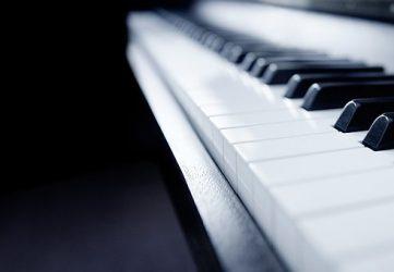 Kháo học đàn Piano