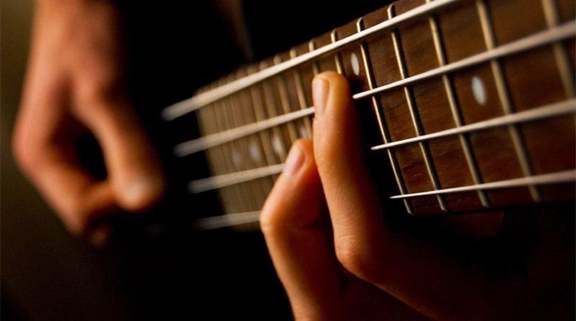 Sách học guitar bass